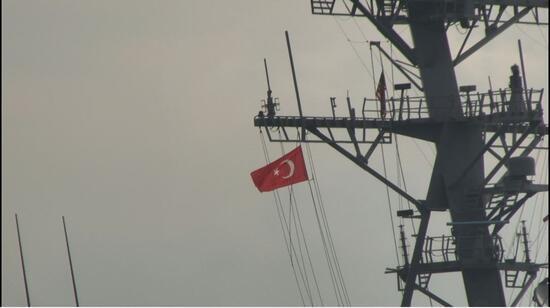 """Son dakika... ABD savaş gemisi """"USS Porter"""" İstanbul Boğazı'ndan geçti"""