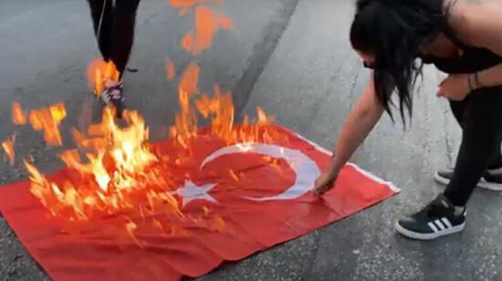 Son dakika...Yunanistan'da rezalet! Ayasofya kararı sonrası Selanik'te skandal görüntü