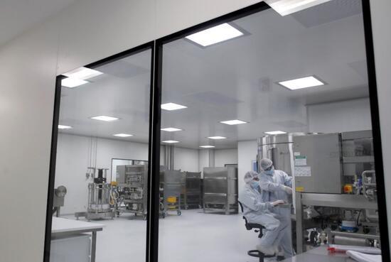 Oxford Üniversitesi ve AstraZeneca'nın testleri yeniden başlıyor