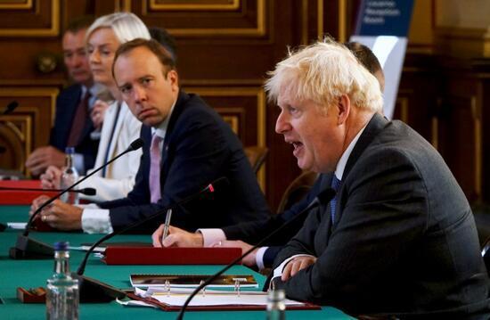 İngiltere'de karantina kurallarını ihlal edenlere 10 bin sterlinlik rekor ceza