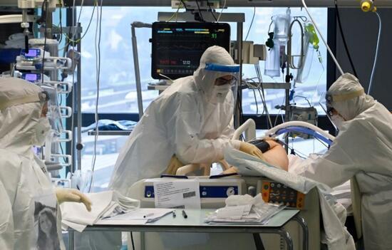 Prof Dr. Uğur Şahin: Koronavirüs en az 10 yıl hayatımızdan tamamen çıkmayacak