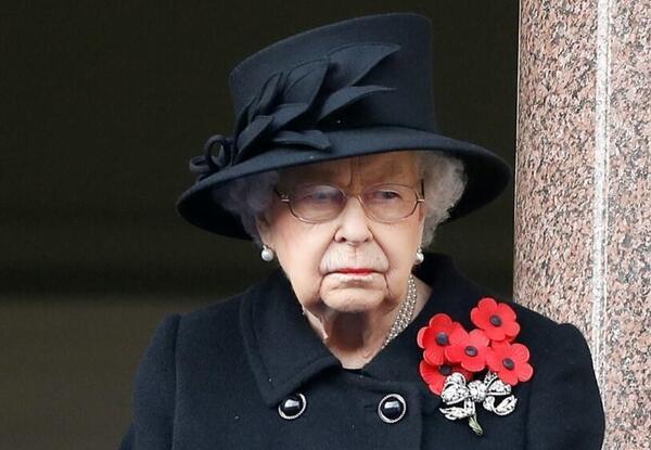 İngiliz medyasında flaş iddia: Kraliçe, servetini gizlemek için lobi mi yaptı?