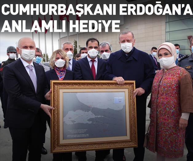 Son dakika: Cumhurbaşkanı Erdoğan'a anlamlı hediye