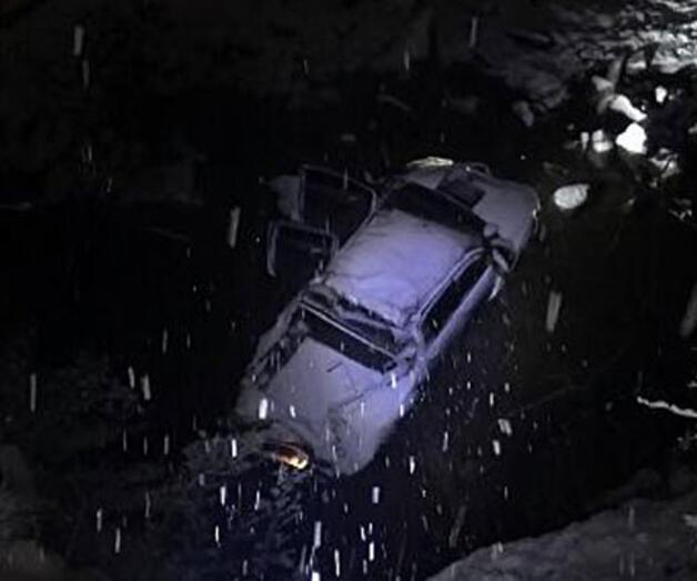 Son dakika: Karda kayan kamyonet dereye yuvarlandı: 6 yaralı