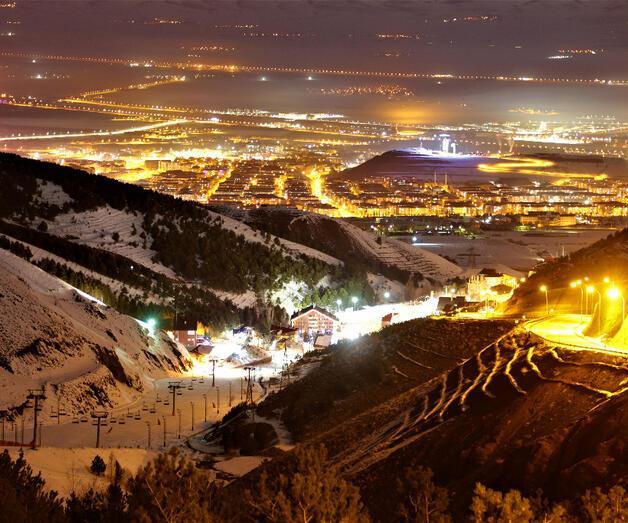 Son dakika: Palandöken Kayak Merkezi gece görüntüsüyle büyülüyor