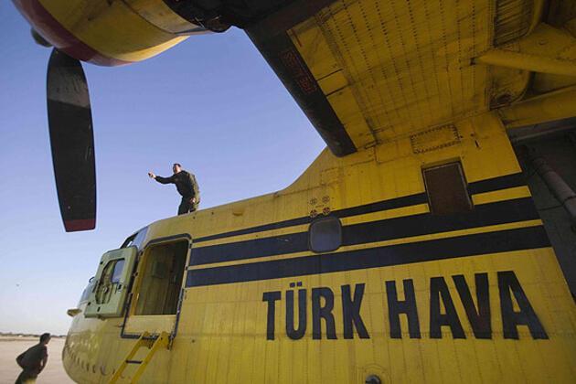 Netanyahu Türk uçağına bindi