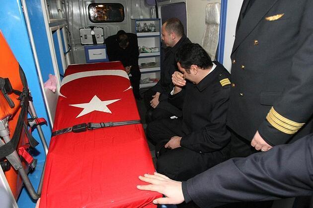 Hollanda'da uçak kazasında yaşamını yitiren 5 Türk İstanbul'da...