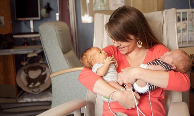 Erken doğan bebeklere umut veren fotoğraflar