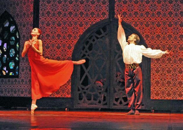 """Devlet Opera ve Balesi'nden """"tayt yasağı"""" iddiasına açıklama"""