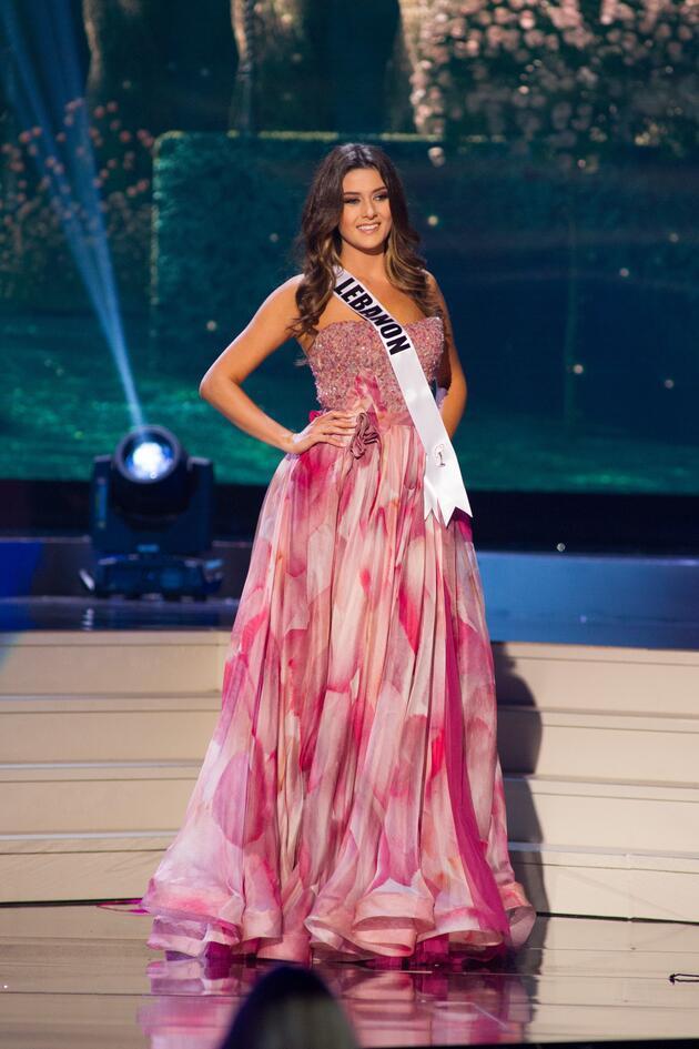 Miss Universe güzellerinin tuhaf elbiseleri!