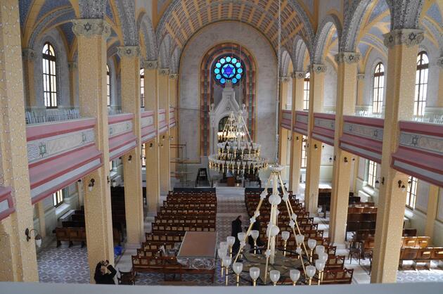 Büyük Sinagog'da 46 yıl sonra ilk ibadet