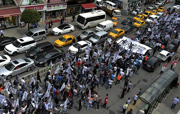 İstanbul'un göbeğinde Hilafet yürüyüşü