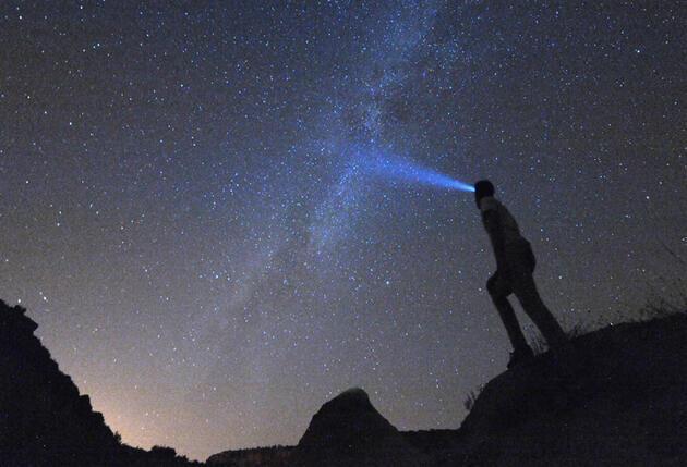 Meteor yağmurundan büyüleyici görüntüler