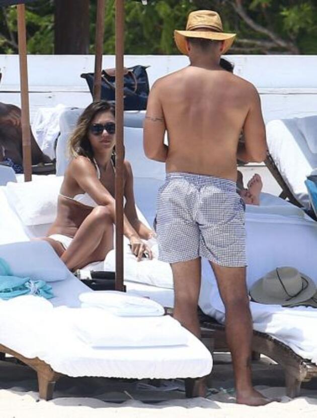 Jessica Alba tatilin tadını çıkardı!