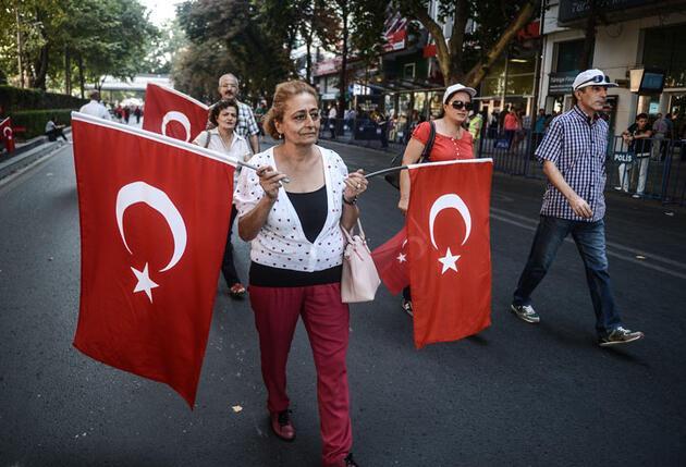 Ankara'da büyük yürüyüş başladı