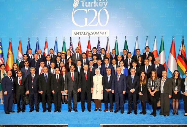 Cumhurbaşkanı Erdoğan'ın personelle zirve hatırası