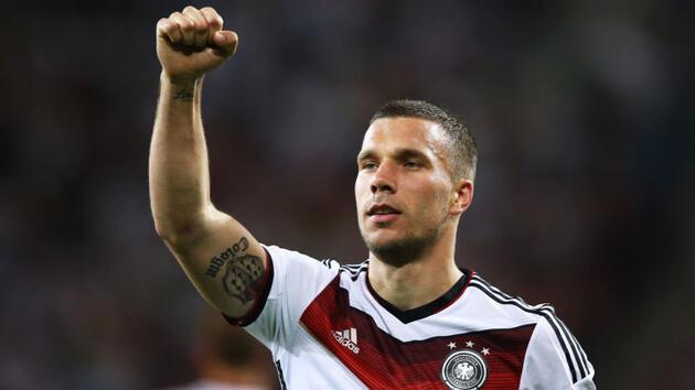 """Podolski: """"Futbolu sokaklarda Türklerle oynayarak öğrendim"""""""