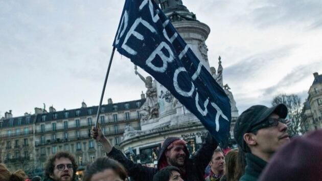 """Fransa'da """"Gece Ayakta"""" eylemleri"""