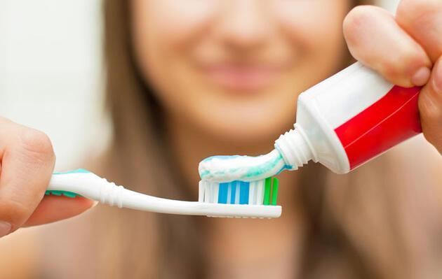 Diş fırçalarken yapılan 7 hata