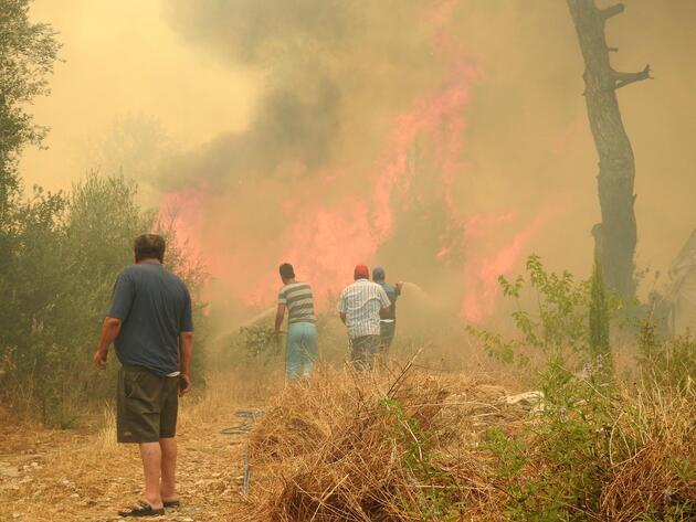 Antalya'da tatil cennetinde yangın. Olimpos boşaltılıyor