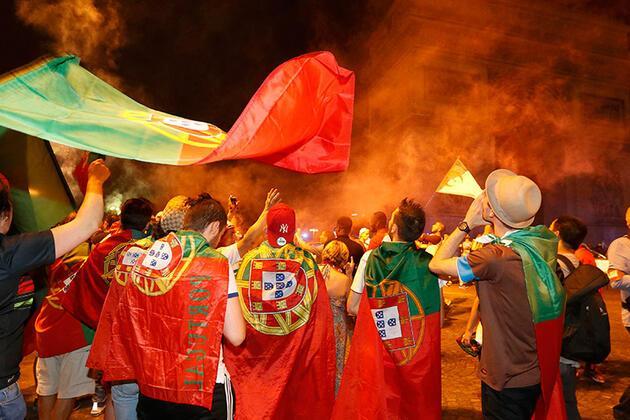 Portekiz taraftarları Paris'i inletti