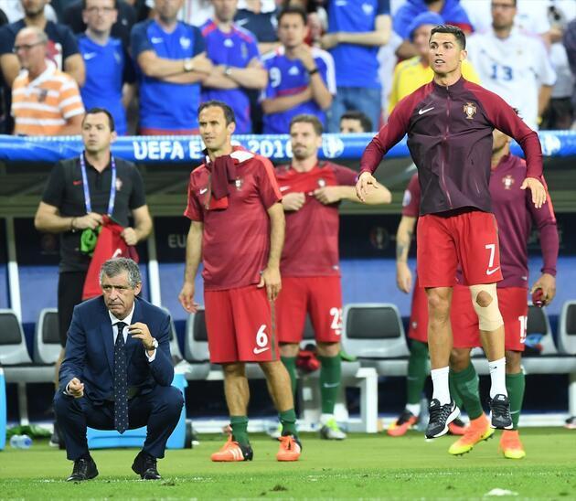 Cristiano Ronaldo'nun Fernando Santos'a dönüştüğü anlar