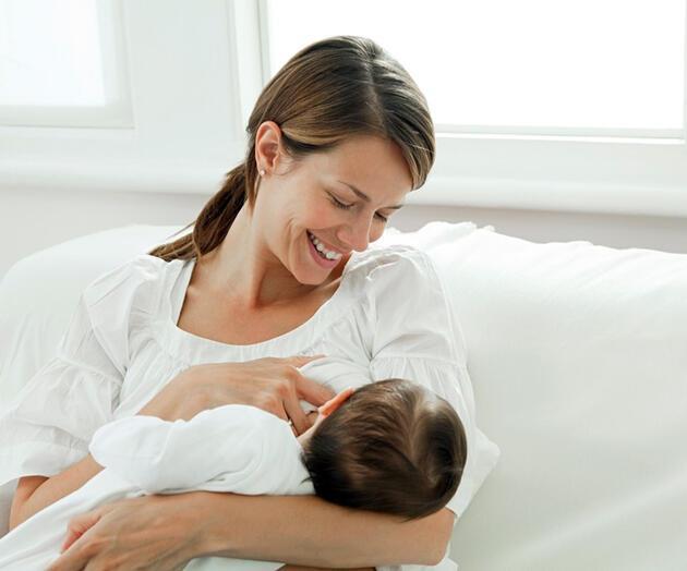 10 Adımda bebeğinizi doğru emzirin
