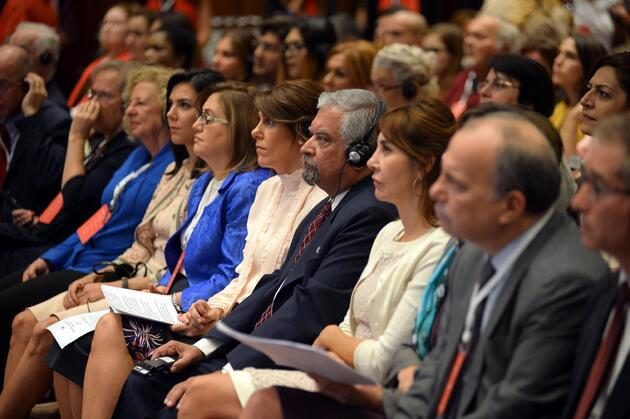 Dünya Kız Çocukları Konferansı için bir araya geldiler