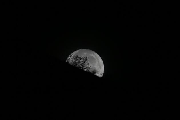 Süper Ay Dünya'ya 1948'den beri bu kadar yaklaşmamıştı