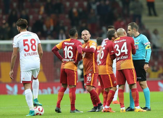 Galatasaray fark attı Başakşehir ile eşleşti