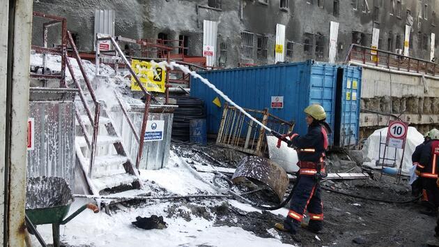 Şişli'de hastane ek bina inşaatında yangın çıktı