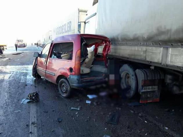 Doğubeyazıt'ta feci kaza: 2 ölü 1 yaralı