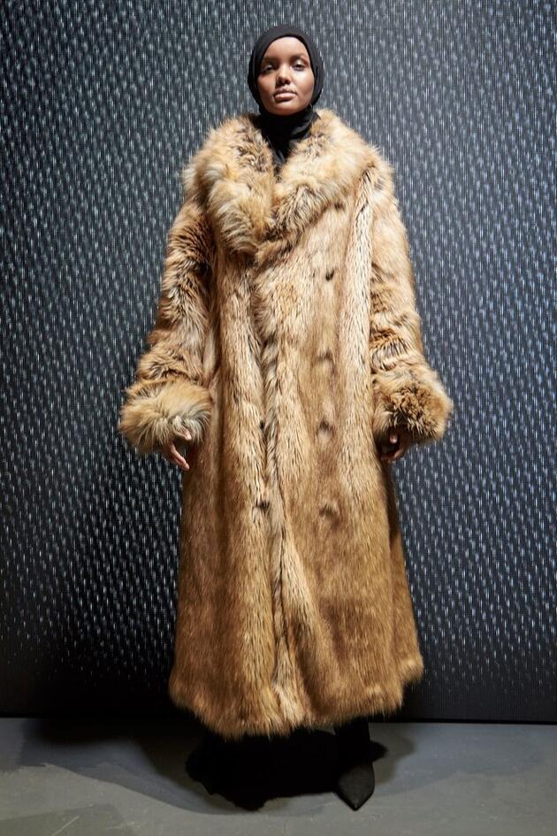 Tesettür modeli Halima Aden'in baş döndüren yükselişi