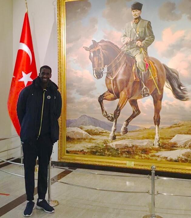 Ekpe Udoh'tan Atatürk mesajı