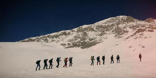 3 bin rakımlı Munzur Dağı'nın zirvesinde klip çekti