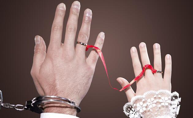 Çocuk yaşta evlendirilen Ünzile: İnsan olan buna dayanamaz