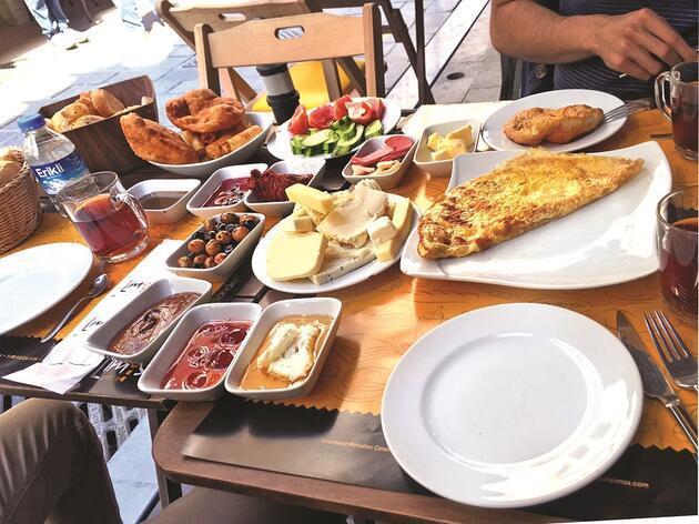 Beşiktaş kahvaltıcılarının alamet-i farikası