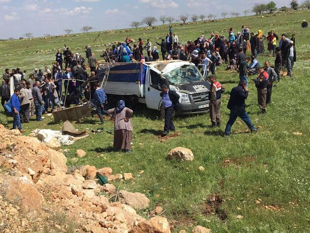 Düğün öncesi feci kaza: 4 ölü, 8 yaralı