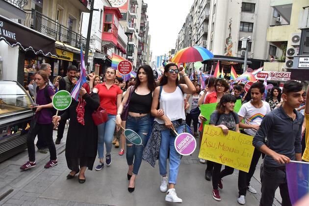 LGBT İzmir'de beşinci kez yürüdü