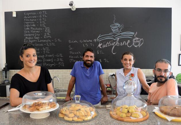 KHK ile ihraç edilen akademisyenler kafe açtı