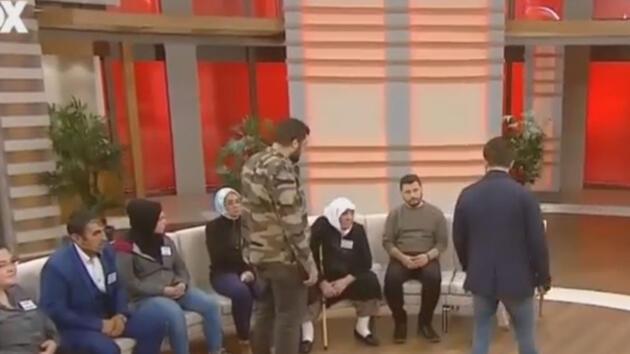 Polis canlı yayını basıp gözaltına aldı