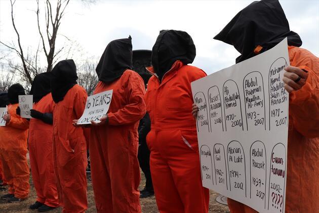 Beyaz Saray önünde Guantanamo gösterisi
