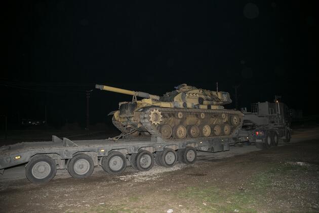 Tanklar Suriye'ye geçti