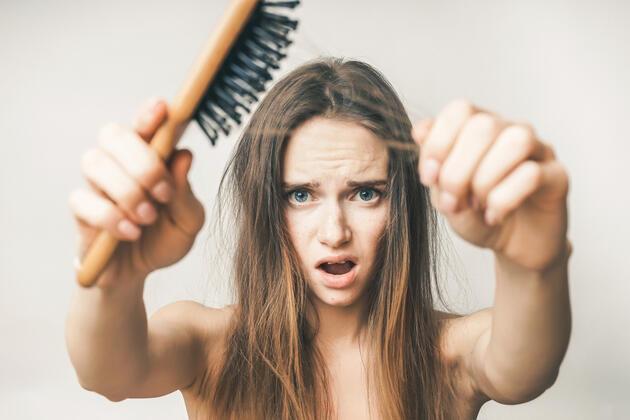 """""""Saç dökülmesiyle savaşan 10 besin"""""""