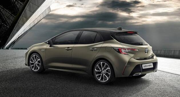 2019 Toyota Auris Hybrid fotoğrafları