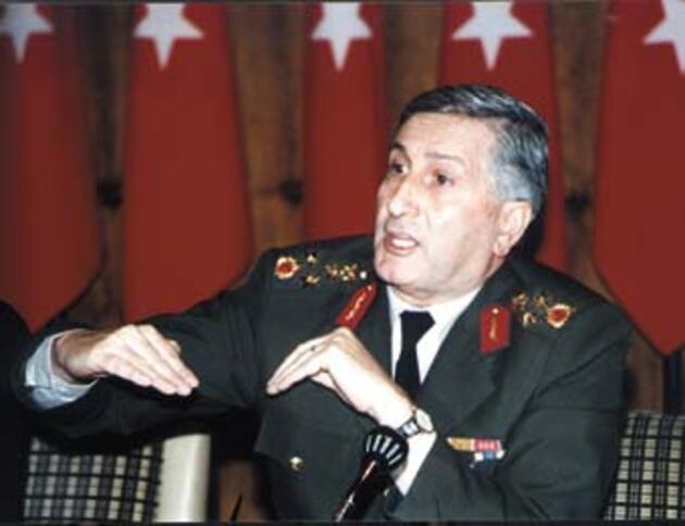 Dönemin Genelkurmay 2'inci Başkanı Çevik Bir'den 28 Şubat iddiası: Kesinlikle bir darbe değildir