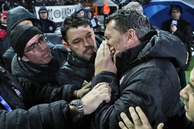 Olympiakos Başkanı çıldırdı, teknik direktör istifa etti