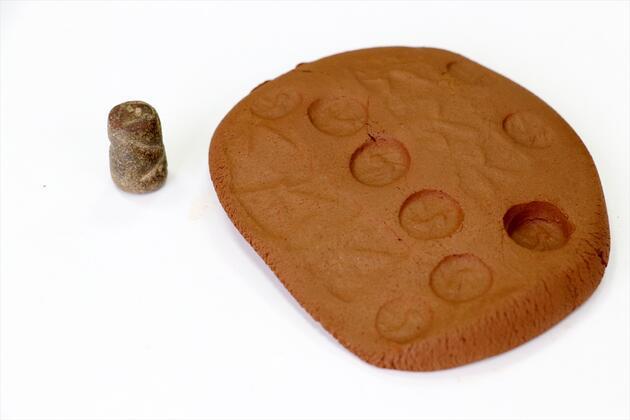 2 bin 700 yıllık taş mühür bulundu