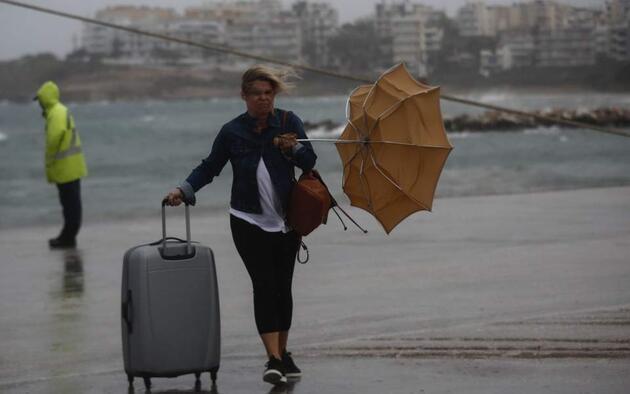 Zorba kasırgası Peloponez sahillerini ve Kithira adasını sardı