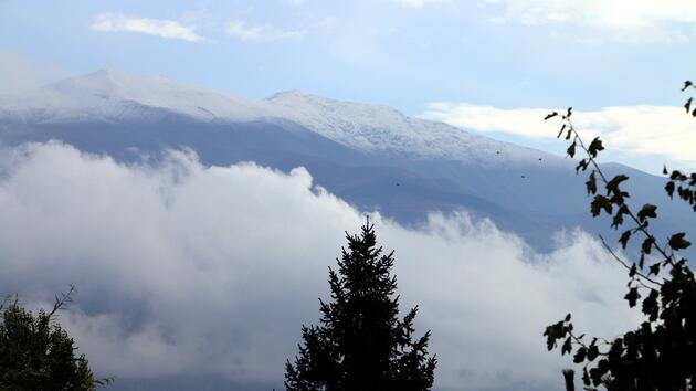 Munzur Dağları beyaza büründü